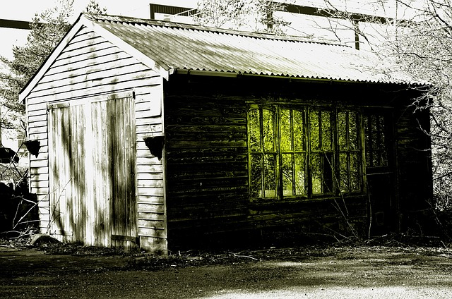 Spooky_Garage_from Pixabay