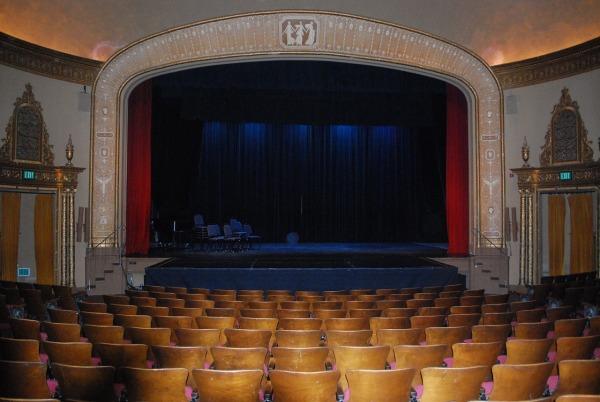 theatre-813305_1280